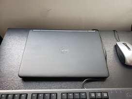 Portatil Dell E7250 Core i5 16Gb RAM SSD 256 GB. Obsequio Pantalla, teclado y mouse