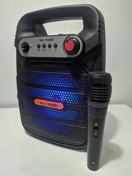 Parlantes bluetooth con microfono, OFERTA