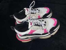 Vendo zapatos balenciaga