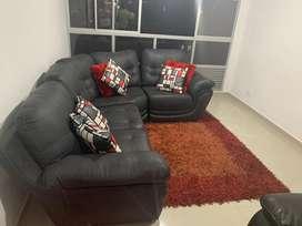 Vendo sala con tapete y cojines