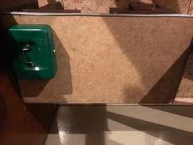 Mesa de madera o como escritorio un cajón
