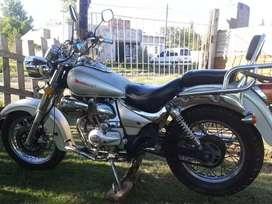 Motomel,custom 200,cc. Titular