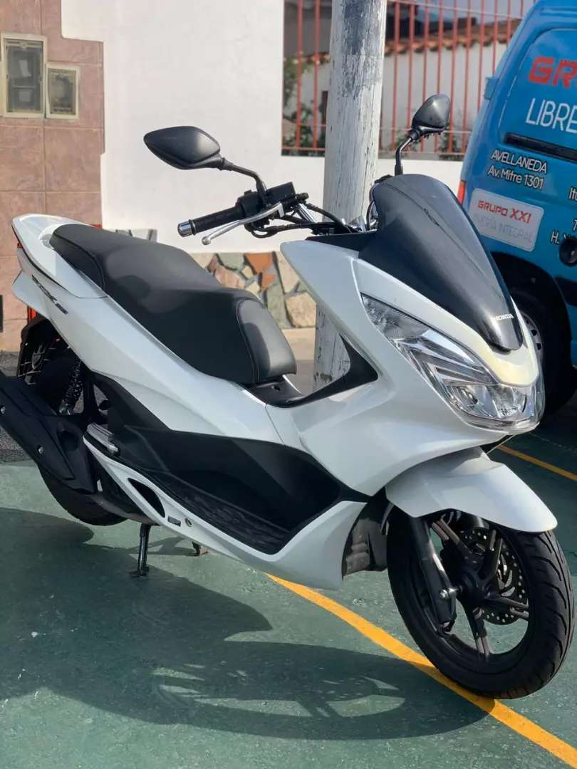 Pcx Honda Scooter Impecable 0