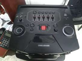 Parlante Challenger Bluetooth en caja