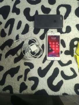 Iphone 6s con vidrio templado, forro de goma y cargador