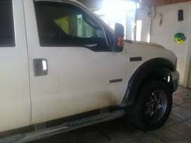 Vendo. Ford. 250. Super. Duty