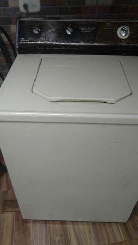Perfecta lavadora 100% fincional de 25 kilos