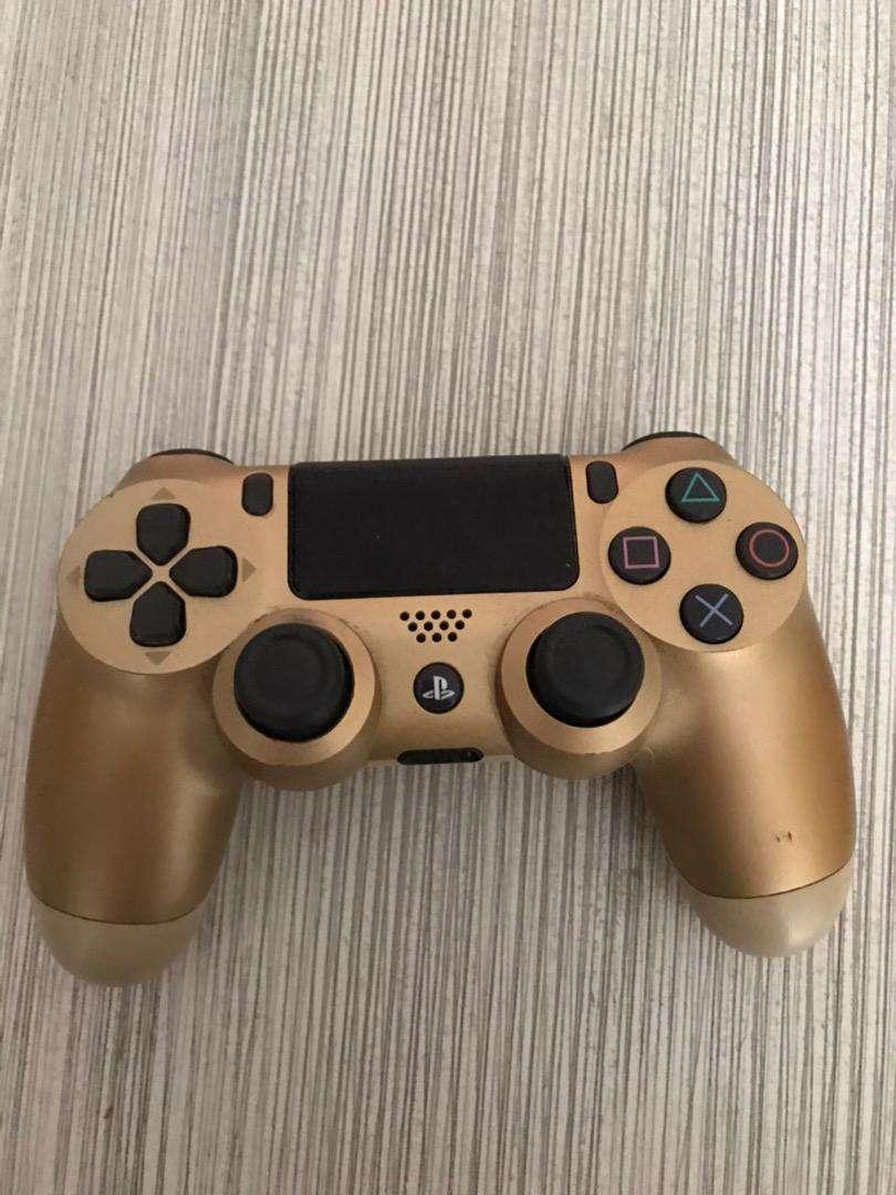 Control de PS4 usado 0