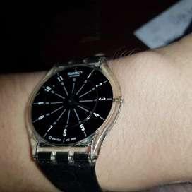 Reloj swatch ultra chato  malla de cuero