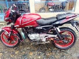 Por motivo de viaje Se vende moto pulsar color roja año 2012 o pulsar