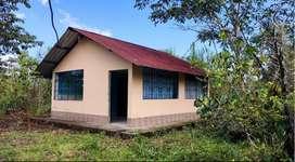 Vendo casa pequeña, Urbanización Anturios Belleza Amazónica