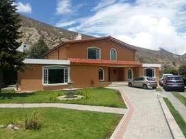 En venta lujosa casa 570m2 - Mitad del Mundo