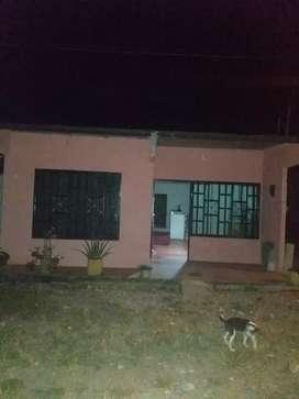 Una casa en la Carlota Córdoba que se permuta por una camioneta NPR o carro para trabajar de carga
