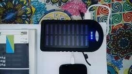 Vendo cargador portatil power bank con panel solar