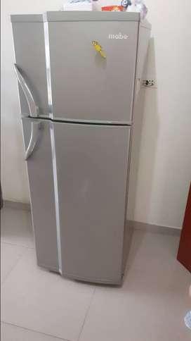 Vendo refrigeradora marca Mabe