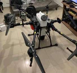 DRONE PARA ASPERSION Y AGRICULTURA/AGRAS T20/MARCA DJI/ESTÁ PRACTICAMENTE NUEVO(50 HORAS DE VUELO)