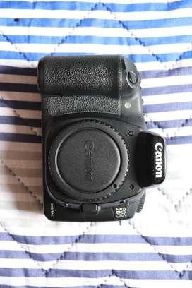 Camara 20D + Estuche + Battery Grip + Lente50mm