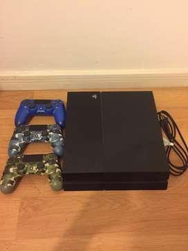 PS4 7 juegos 3 joysticks