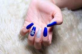 Uñas acrilicas basicas, un solo tono, sin maquina UV.