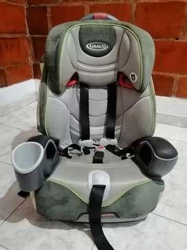 Se venden sillas de bebes