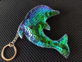 Llavero delfín de lentejuelas