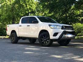 Vendo toyota hilux impecable