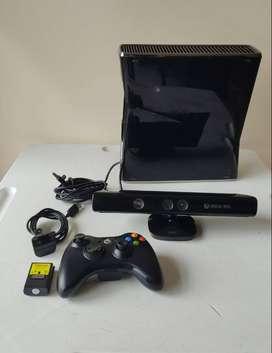 XBOX 360 SLIM 250GB +KINECT+1 CONTROLES Y JUEGOS