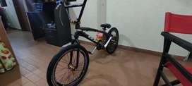 Se vende cicla de bicicross