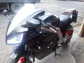 Moto 250 negra