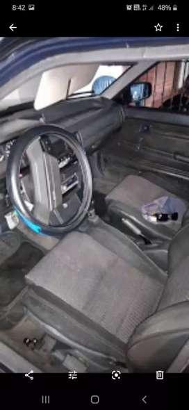 Carro Mazda 323  2002
