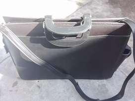 Vendo maletin d cuero impecable