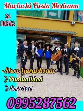 Mariachis en Quito sur la nueva Aurora Arcadia