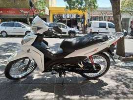 Vendo Wave con solo 2200 km