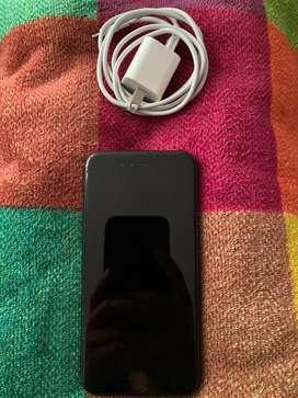 Vendo iphone 7, 32GB, color negro