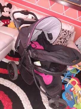 Vendo coche para bebé con silla para carro