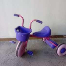 Triciclo metálico