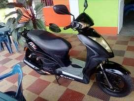 se vende moto fly 125