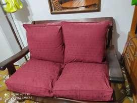 Sofa de algarrobo dos cuerpos
