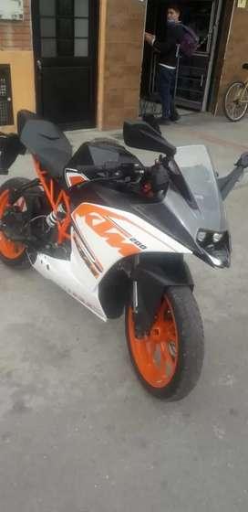 Se vende motocicleta RC 200 ,en perfecto estado