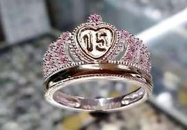 Corona plata y oro quinseañera rosa.