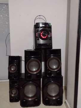 Vendo equipo de sonido lg cm 8530 con bluetooh
