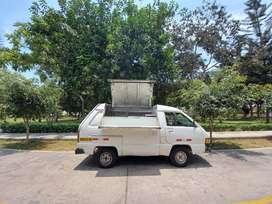 Minivan toyota ,food truck, carro de carga