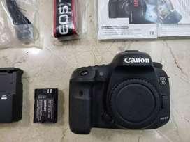 Canon 7D MK II con 3 baterías y Compact Flash Lexar de 64 GB - cámara fotográfica y de video montura para lente EF