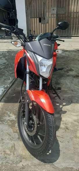 Hermosa moto Honda CBR 125 2020 Agosto