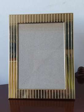 Portarretrato Italiano Metal Dorado con Relieve