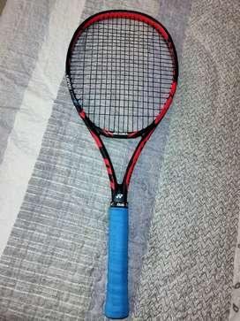 Vendo raqueta Yonex Isométrico - Profesional