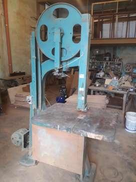 vendo 2 maquinas de carpinteria sierra sin fin y cepilladora muy buen estado