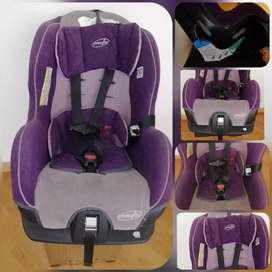 Silla de seguridad para el carro marca Evenfto usada y en perfectas condiciones es para nin@s de 3 a 7 años