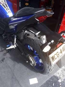 Se vende Yamaha R3