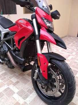 Vendo Ducati Hyperstrada 2016